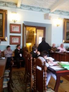 Ucelay abandona Pleno