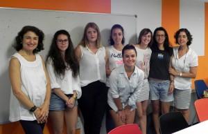 Voluntariado educativo estudiantes y profesoras