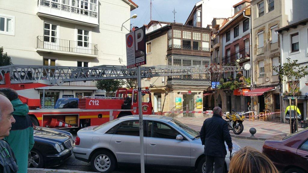 Parte de incidentes relacionados con el fuerte viento for Calle jardines bilbao