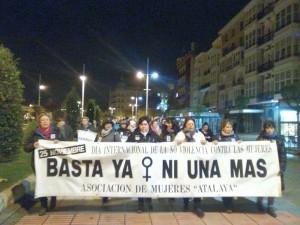 Manifa Mujeres Atalaya Día contra la Violencia de Género (2)