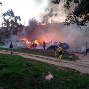 Incendio cuadra Mioño (2)