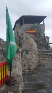 Ermita Santa Ana con banderas (2)