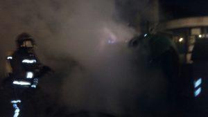 Contenedor ardiendo en Brazomar (2)