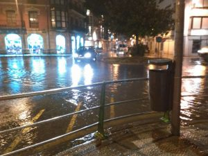 Rotonda San Fco inundada por lluvias