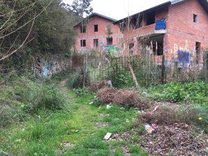 Chalets abandonados camino Cueto (2)