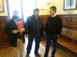 Sindicalistas y alcalde tras Reunión Paga Extra