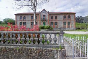 Escuelas de Otañes