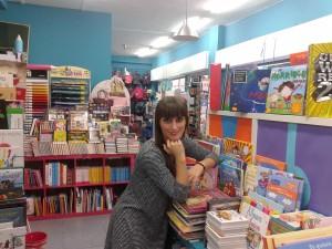 Samira en Libreria Chus Cuenta Cuentos