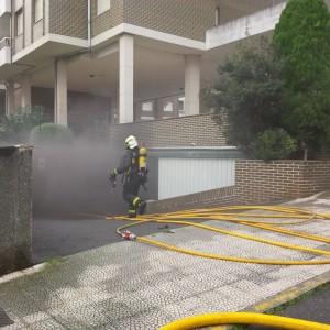 Incendio en garaje 1º de Mayo (3)