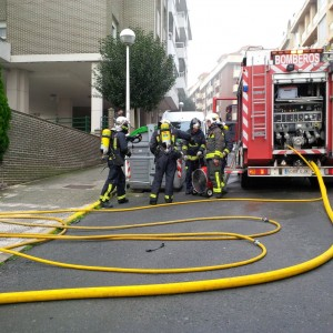 Incendio en garaje 1º de Mayo (4)