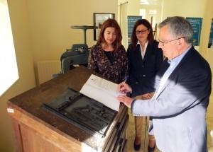 Donación guillotina de encuadernar Ignacio Montuno_1