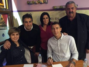 De Marcos y Garazi Murua firman en Lazur (3)