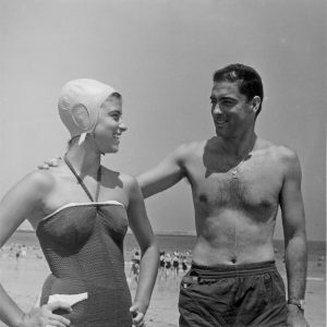 Argenta e hija en playa Brazomar